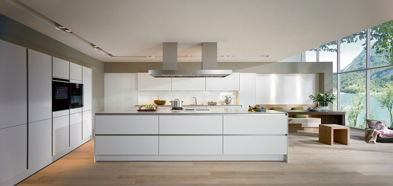 Keukeneiland of kookeiland een eiland in je keuken mia domo for Modern german kitchen designs